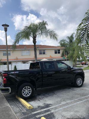 2019 Chevy Silverado crew cab 4x4 for Sale in Miami, FL