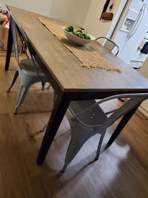 Table and Chairs for Sale in Ontario, CA