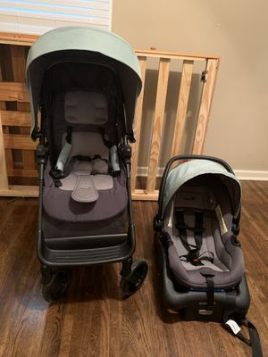 Stroller & Car seat set . Base included . for Sale in Clarksville, TN