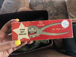 York nut sheller for Sale in Gila Bend, AZ