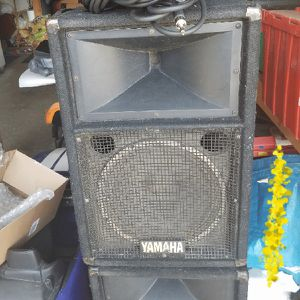 """Yamaha club series 12"""" speakers for Sale in Brunswick, OH"""