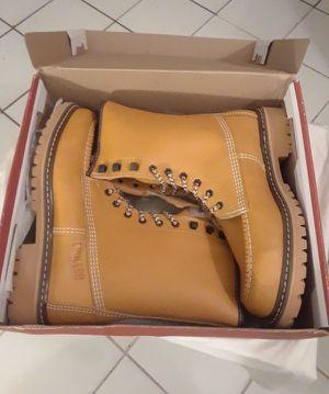 Botas de trabajo / work boots for Sale in Pompano Beach, FL