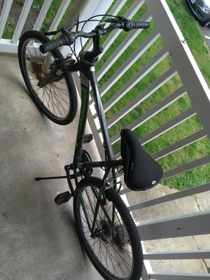 Mountain Bike with Chain for Sale in Temple Hills, MD