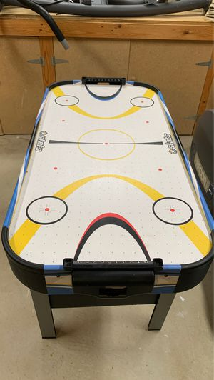 Air hockey table for Sale in Canton, MI