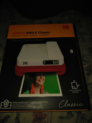 Kodak smile classic instant print digital camera for Sale in Phoenix, AZ
