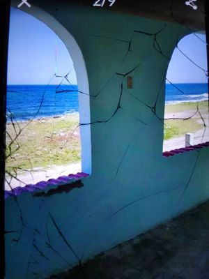 Frente al Mar el piso Superior for Sale in Pembroke Pines, FL