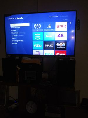 Insignia roku tv. 55 inches 3months old for Sale in Pittsburgh, PA