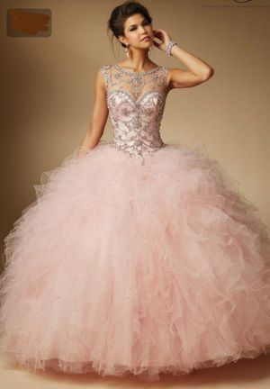 Quiceañera dress........... color: pink/blush for Sale in San Leandro, CA