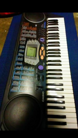 CASIO Electronic 61key music system blacklight songbank Keyboard (Model number CTK-533) in perfect conditon for Sale in Fresno, CA