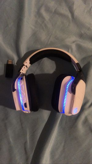 Logitech g933 Gaming Headphones for ps4, xbox, and pc for Sale in Baltimore, MD