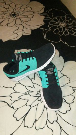 Shoes Nike janoski size 9.5 for men chequen más ofertas 👟👟👞👖🎽👚👜👝 for Sale in Los Angeles, CA