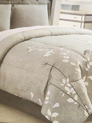 King size Comforter for Sale in Denver, CO