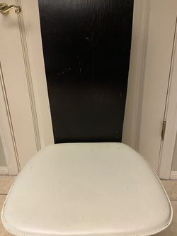 Dining Chairs For $5 Each ! See Picks For Defects for Sale in Beverly Hills,  CA