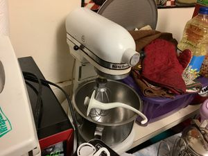 Kitchen Aid mixer for Sale in Chelsea, MA