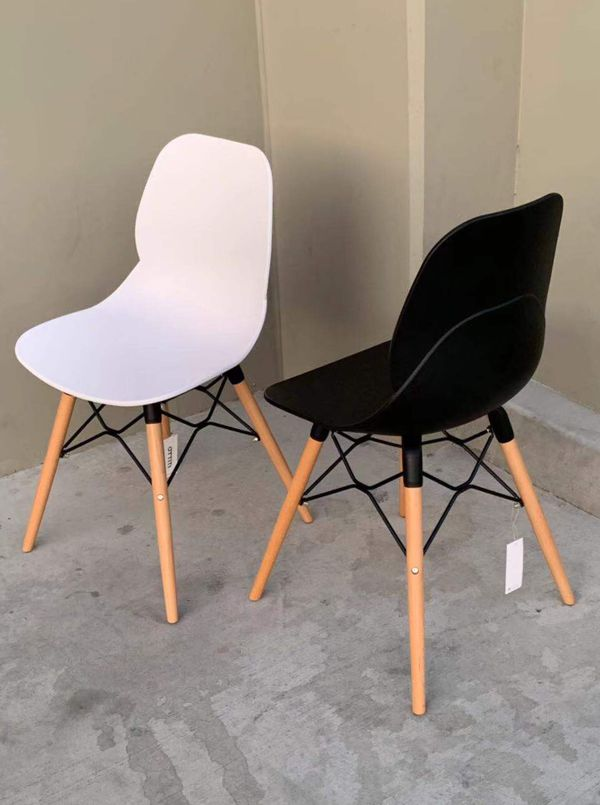 New in box $25 each Mid Century Modern Eames Style dining leisure DSW chair White or black color