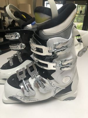Atomic Girls Ski Boots for Sale in Bellevue, WA