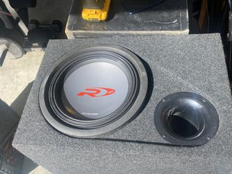 Alpine Type R 12in Ported Box for Sale in San Leandro,  CA