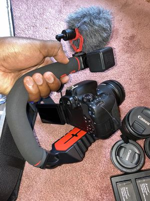 Canon t7i for Sale in Decatur, GA