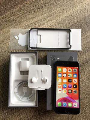 🌟 Like New!!🌈 Unlocked iPhone 8~64gig ~ALL CARRIERS!! for Sale in Costa Mesa, CA