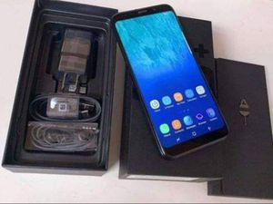 Samsung Galaxy s10 plus phone for Sale in Milwaukee, WI