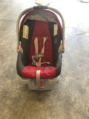 Infant to toddler Car seat with base for Sale in Mill Creek, WA