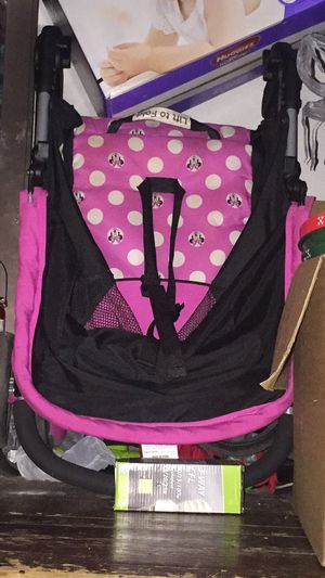 Car seat and stroller set for Sale in Erie, PA