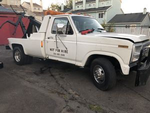 86 ford f 350 repo truck automatic 1800 for Sale in Bridgeport, CT