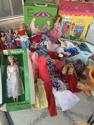 Vintage barbies/cases/clothing for Sale in Commerce, CA