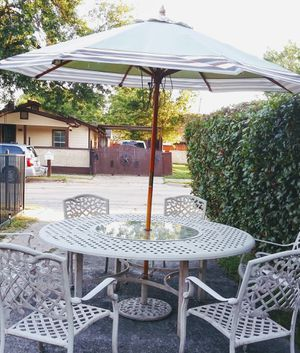 PATIO FURNITURE BIG TABLE 7 FT ACROSS 6 CHAIRS WITH WATERPROOF CUSHIONS UMBRELLA AND BASE $500 for Sale in Fort Worth, TX