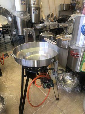 Comal y quemador y base para freir pollo y pescado y camarones 🍤 🍤🍤🍤🍤 for Sale in San Diego, CA