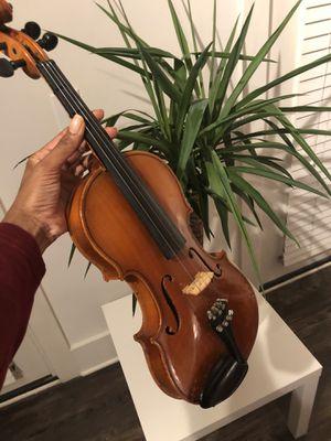 Great Violin! Great condition Hard Case included. for Sale in Atlanta, GA
