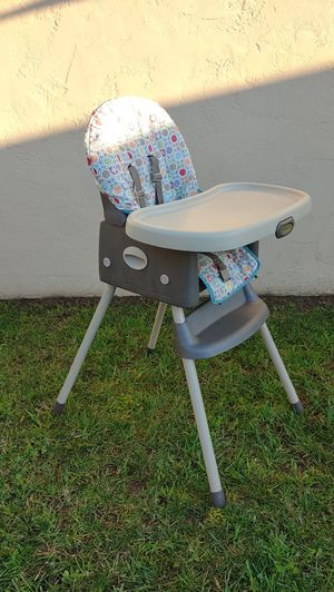 Graco Simple Switch 2-in-1 High Chair & Booster Seat for Sale in San Diego, CA