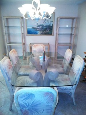 DINING ROOM SET for Sale in Aventura, FL