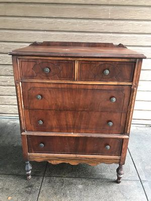 Antique furniture 5 drawer dresser for Sale in Lakewood, CA