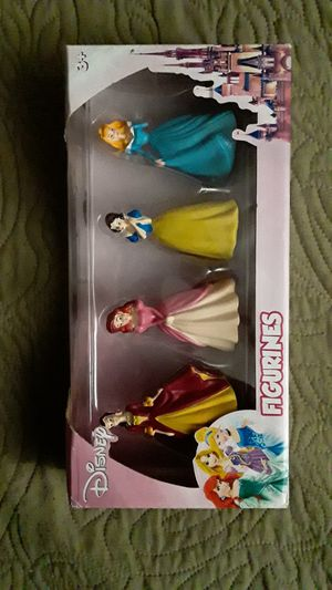 DISNEY PRINCESS FIGURINES NEW TOYS $10 ✔✔✔PRICE IS FIRM✔✔✔ for Sale in Bell Gardens, CA