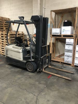 Forklift three wheeler Crown for Sale in San Leandro, CA