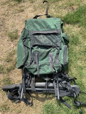 Hiking camping backpack for Sale in Pompton Lakes, NJ