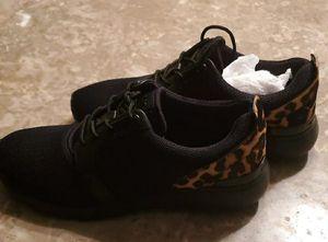 NEW-- Women's Michael Kor Shoe's size 7 for Sale in Renton, WA