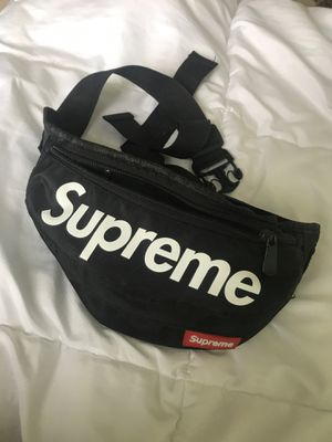 Supreme fanny pack for Sale in Issaquah, WA