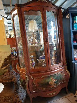 Antique Large curio cabinet for Sale in Miami, FL