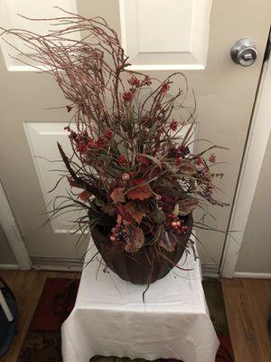 Large flower arrangement for Sale in Chandler, AZ