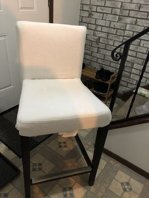 2 bar stools for Sale in Hialeah, FL