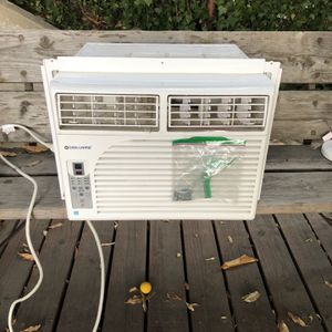 Cool Living 8,000 BTU Energy Star Window Mount AC Unit for Sale in Los Angeles, CA