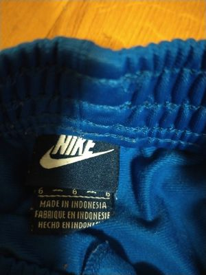 Size 6 Nike sweats girls for Sale in New York, NY