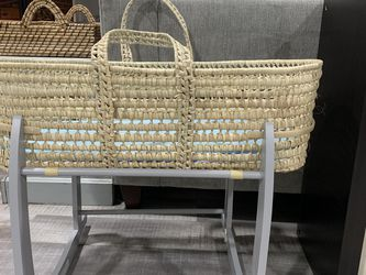 Rockable wicker Bassinet for Sale in Virginia Beach,  VA