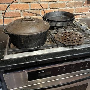 Large Heavy Lodge 8 Quart Cast Iron Dutch Oven for Sale in Suffolk, VA