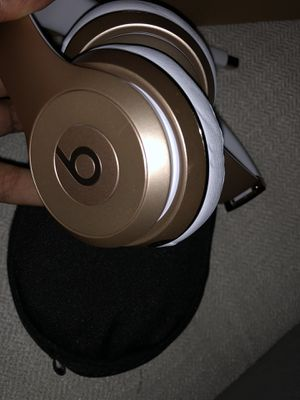 Never used Beats Solo 3 Wireless for Sale in Alexandria, VA