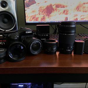 Canon 80D and 3 Lenses $1200 OBO for Sale in Victorville, CA