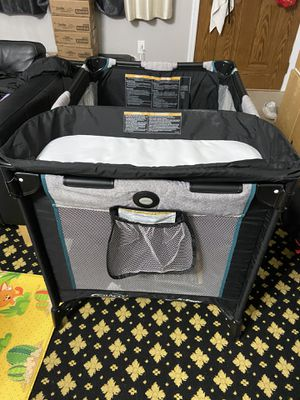 Pick and go/ playpen for Sale in Staten Island, NY