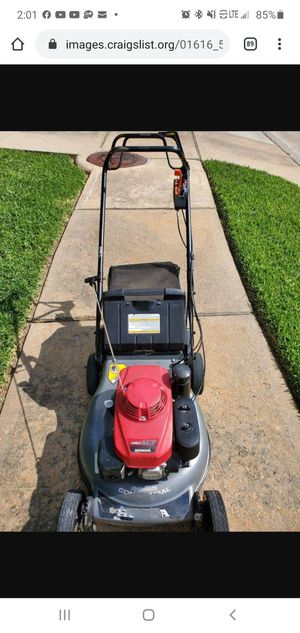 Honda HRC216HXA Commercial Grade Lawnmower Excellent Condition for Sale in Houston, TX